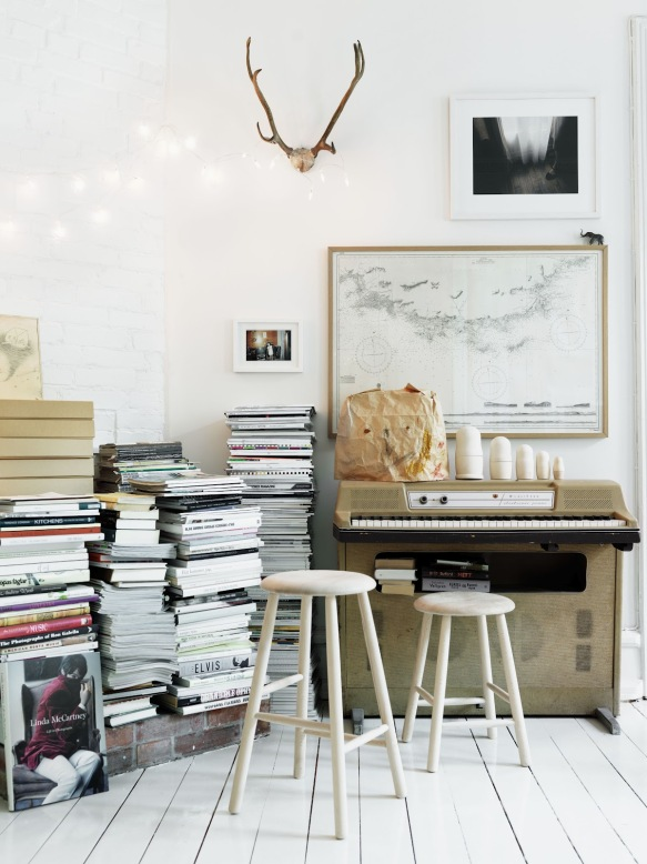 Home-of-interior-stylist-Emma-Persson-Lagerberg-photographed-by-Petra-Bindel.-1