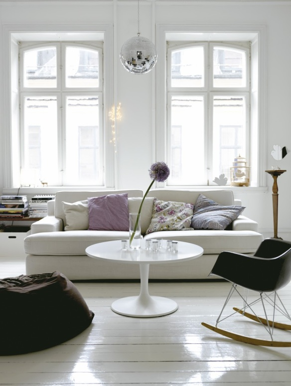 Home-of-interior-stylist-Emma-Persson-Lagerberg-photographed-by-Petra-Bindel.-5
