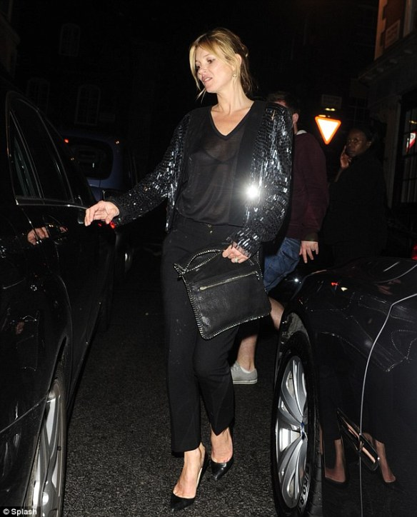 la-modella-mafia-Kate-Moss-date-night-chic-in-a-sequin-Saint-Laurent-jacket-with-black-Christian-Louboutin-Pigalle-pumps-and-a-chain-trimmed-Stella-McCartney-clutch-2