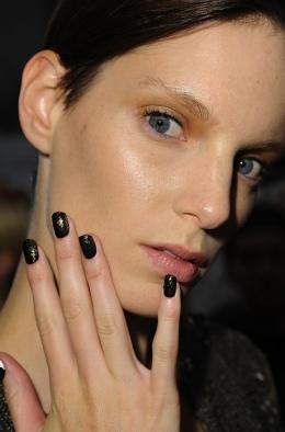dark_nails4_thumb